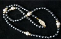 "15"" 3mm HEMATITE AND WHITE PEARL NECKLACE IN 9CT GOLD"